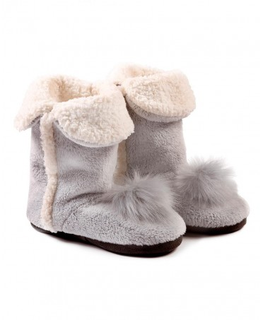 Pompom's boots